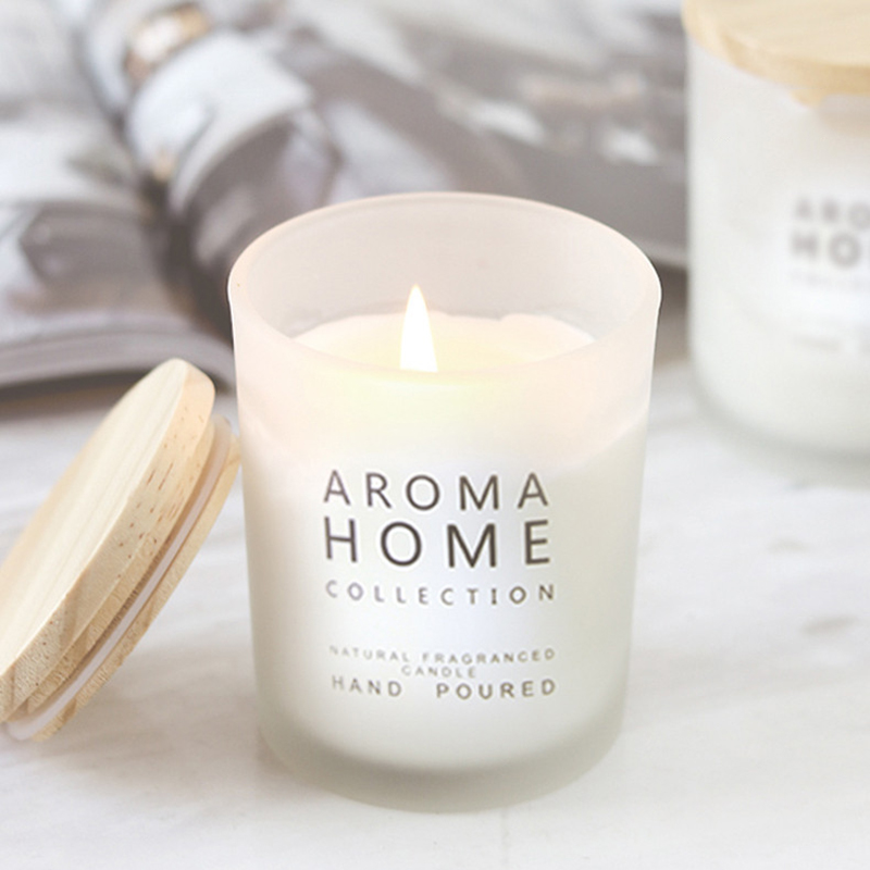 Free sample provide wholesale customized personal label soy wax candle with different sizes