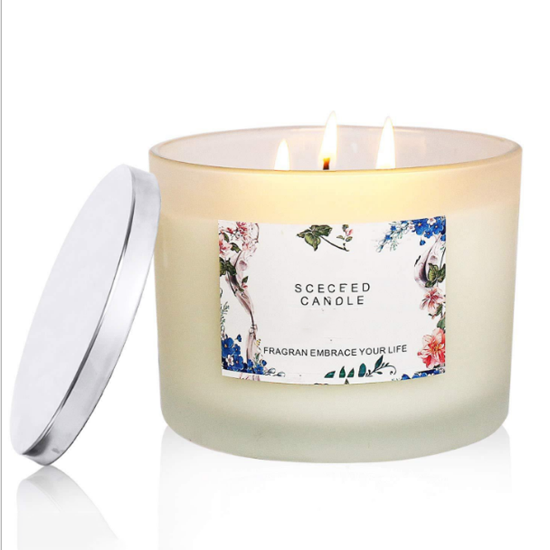 Candle wholesaler provide free samples customized strong scented candles with private label