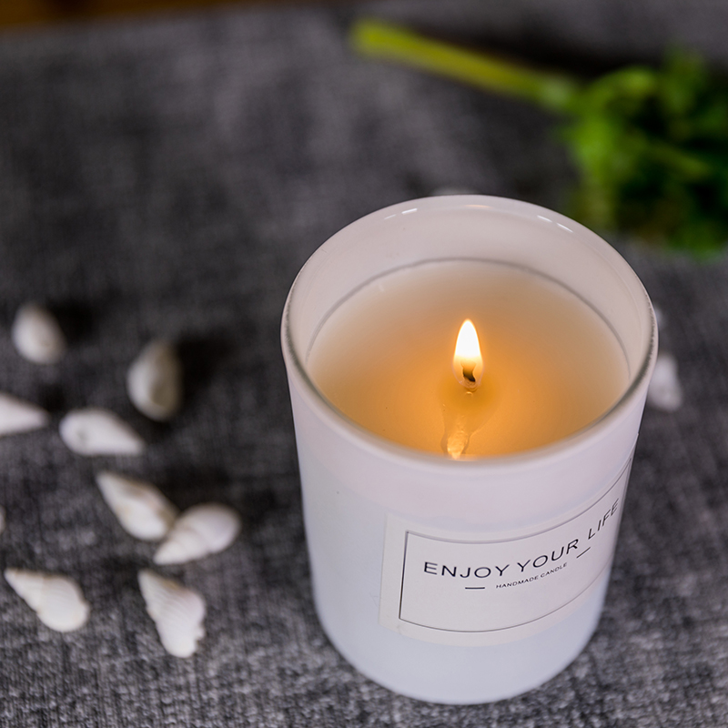 scented candle (4).jpg