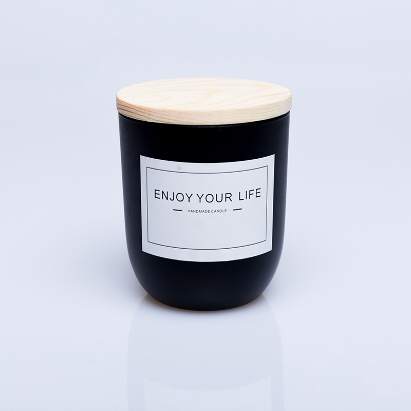 Personalized wholesale  luxury black glass scented soy wax candle with wooden lid