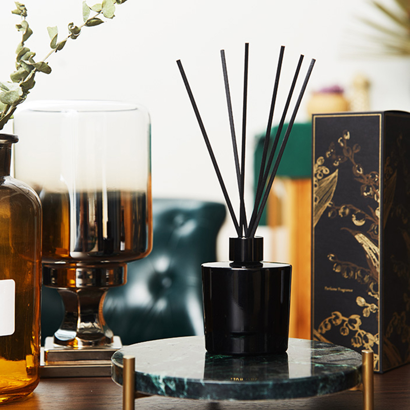 Your own brand customized wholesale luxury classical aroma essential oil reed diffuser for home fragrance