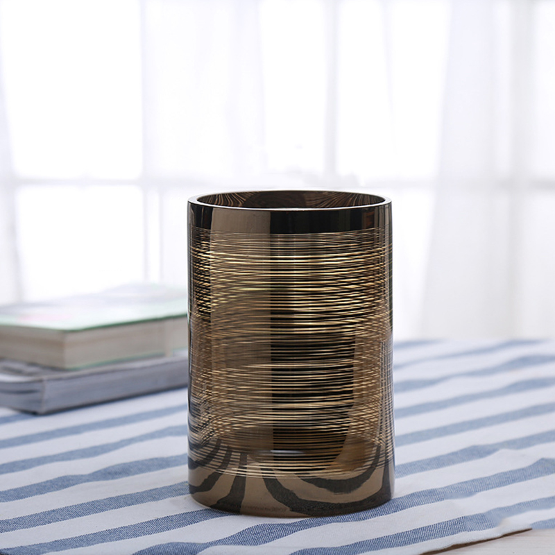 Free samples supply wholesale luxury pillar candle holders with different sizes for home decor
